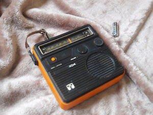 Antique Soviet Russian USSR VEGA 404 Portable LWMW Radio 1979