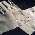 Vintage 50s White Cloth Knit Gloves - Very Marilyn - Size 7 small /medium
