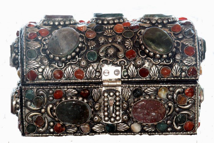 SILVER JEWELRY BOX FROM MYANMAR