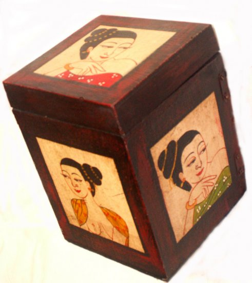 HAND CRAFTED JEWELRY BOX FROM THAILAND