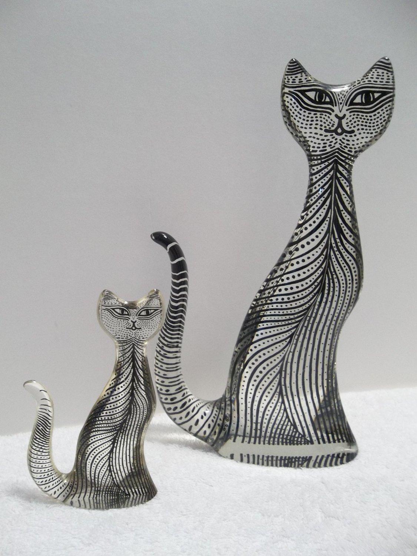 (2) Abraham Palatnik CATS FELINES Lucite Acrylic Sculptures Figurines 646 658