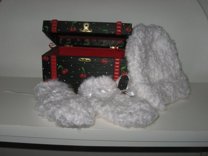 White Knit Baby Hat and Booty Set in Painted Cherry Box