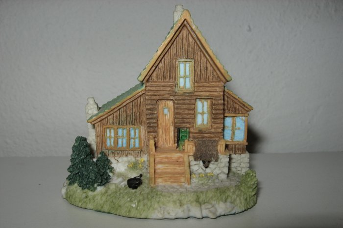 """Trapper """"Big Mike's"""" Cabin Liberty Falls House Collection, AH133"""