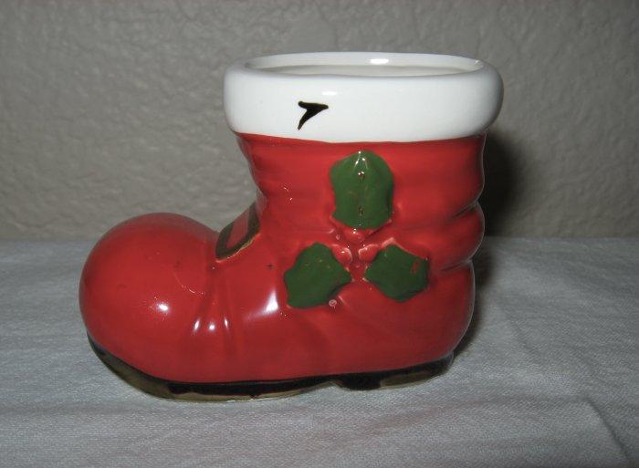 Lefton Christmas Boot w/Gold Buckle (Japan).