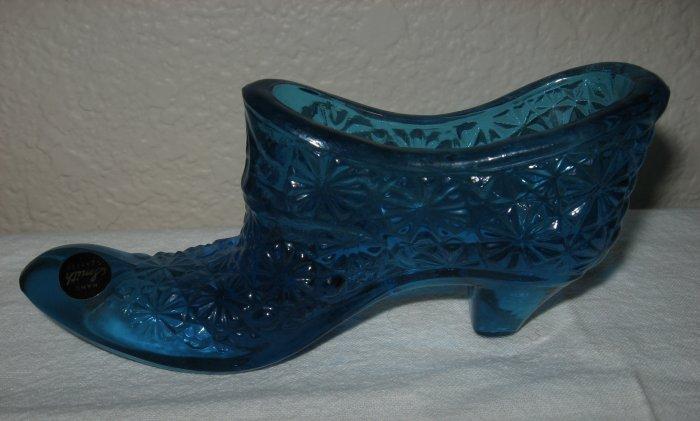Blue Button and Daisy Glass Shoe (L. E. Smith).