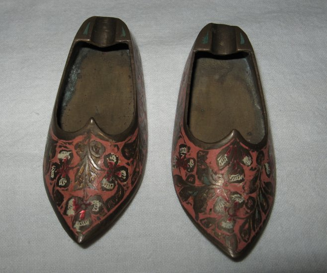 Nicely Decorated Bronze Ashtray Slipper (India).