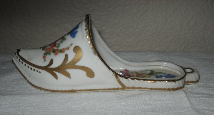 White Hand Painted Glass Shoe Wall Hanger.