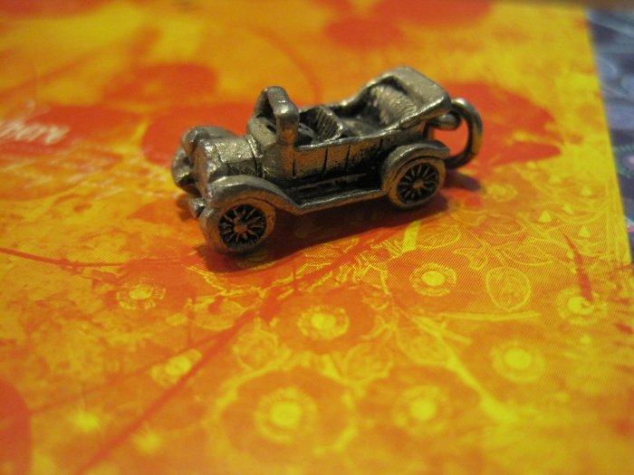 Silver Old Fashion Convertible Car Pendant