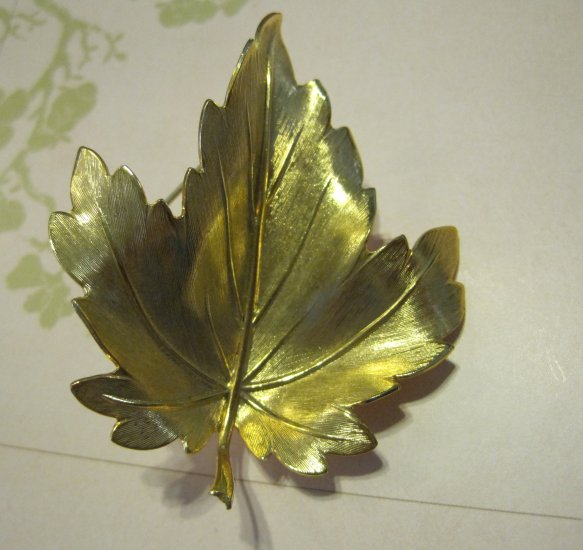 Gold Plated Maple Leaf Pin