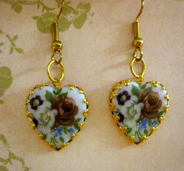 Gold Heart Cameo Charms with Vintage Purple and White Flower Pictures, Earrings