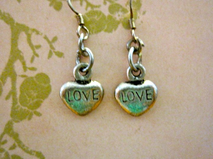 """Small """"LOVE"""" Etched Silver Colored Stone Heart Earrings"""