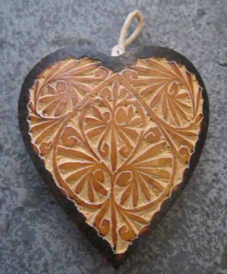 Small Hand Carved Gourd Heart Ornaments