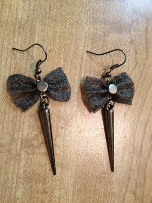 Earrings- Gunmetal-plated mesh bows with gunmetal spikes