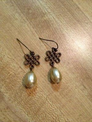 Earrings- Nickel-Free Antique Brass hooks,  Antique brass lattices w- tear drop pearls