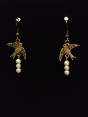 Earrings- Antique Brass French hooks, Antique brass bird findings with creamy white pearls