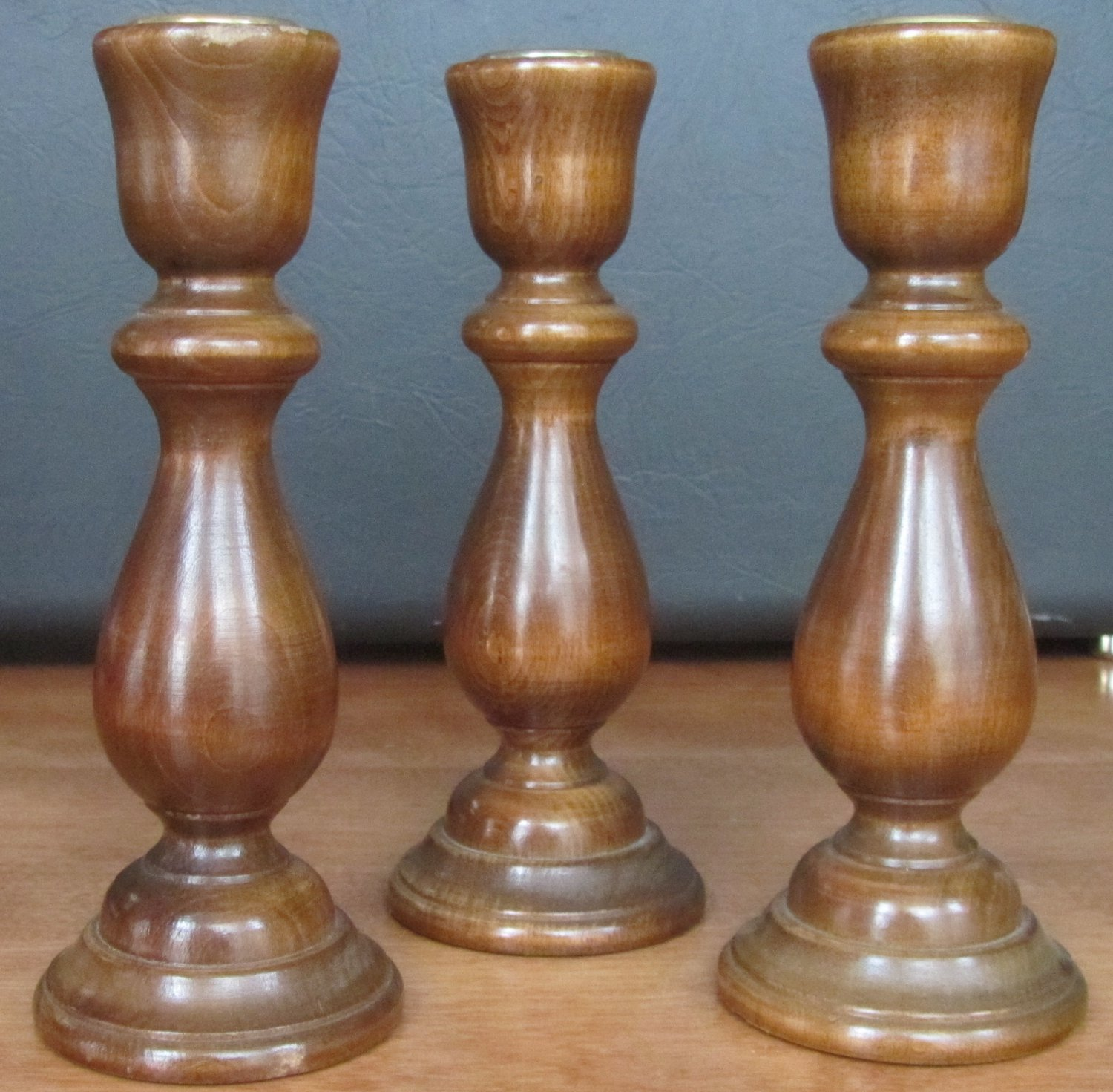 VINTAGE COLONIAL STYLE POLISHED WALNUT SET OF 3 CANDLEHOLDERS WITH BRASS INSERT