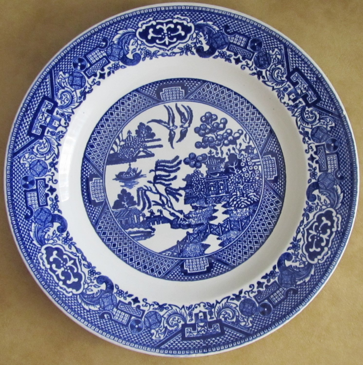 "VINTAGE BLUE WILLOW WARE ROYAL CHINA UNDERGLIZED 9"" DINNER PLATE SERVING PLATTER"
