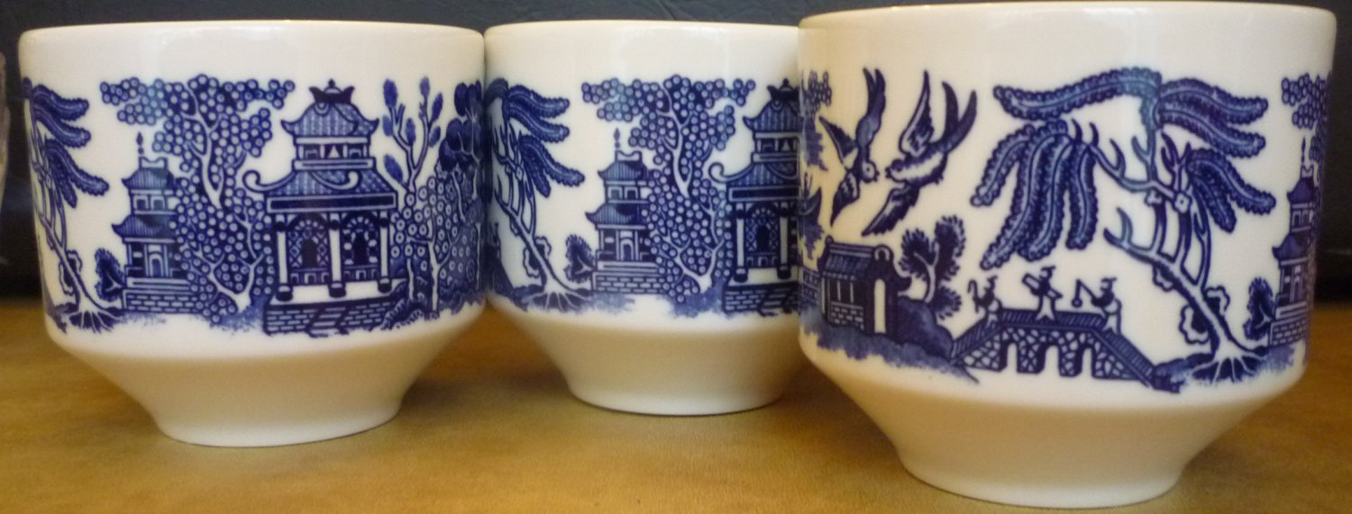 VINTAGE BLUE WILLOW WARE SMALL COFFEE/TEA CUP ENGLAND SET OF 3