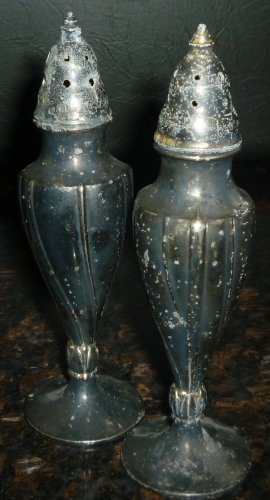 VINTAGE SILVERPLATE LA FRANCE REG USA SALT & PEPPER  SHAKERS #616