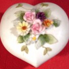 VINTAGE LEFTON KW FOOTED TRINKET BOX WITH SCULPTURED FLOWERS