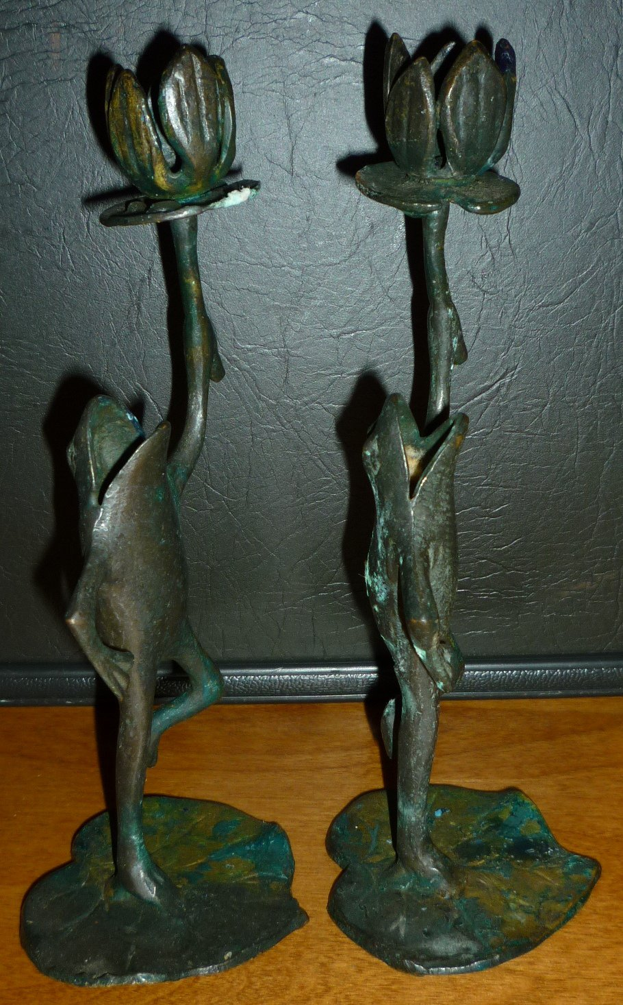 VINTAGE WROUGHT IRON PAINTED GREEN CANDLEHOLDERS FIGURAL FROG SET OF 2