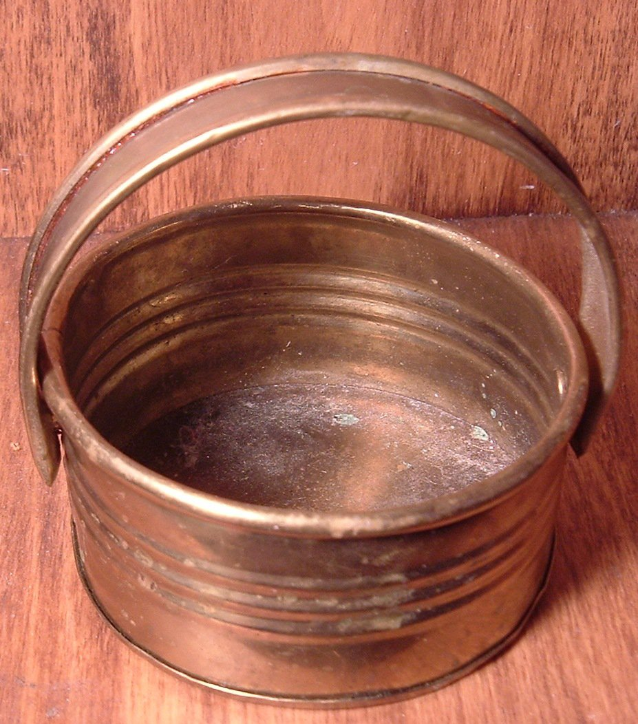 SMALL BRASS BASKET WITH HANDLE ASHTRAY PLANTER TRINKET