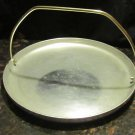 VINTAGE ALUMINUM WARE DeLUXE TRAY WITH HANDLE GRIDDLE PLATTER PIZZA BAKEWARE