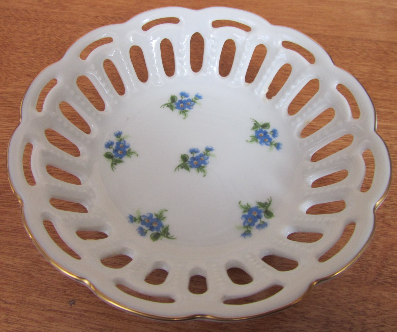 VINTAGE FINE PORCELAIN CANDY NUT LACE DISH LICHTE GDR GERMANY BLUE FLOWERS