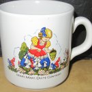 CHARMING PORCELAIN HUMOROUS CHILD'S MUG MARY, MARY, QUITE CONTRARY ENGLAND VNTG