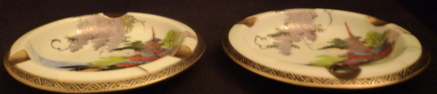 ANTIQUE SHOZAN STUDIO HAND PAINTED KUTANI PORCELAIN RARE ASHTRAY SET OF 2 24K