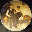 KNOWLES FINE CHINA PLATE 'LIGHTHOUSE KEEPER'S DAUGHTER' NORMAN ROCKWELL 1979 NMB