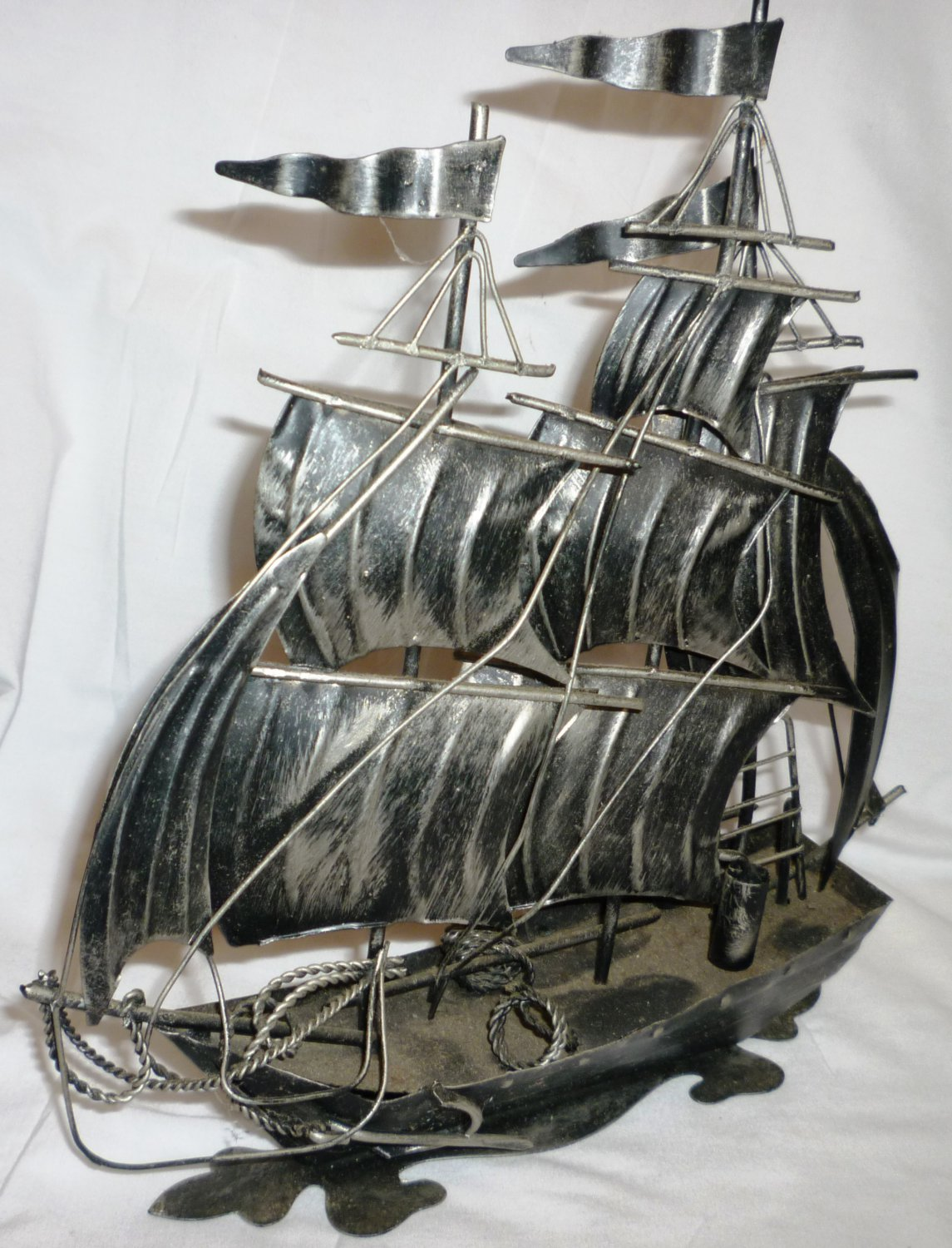 GORGEOUS METAL SCULPTURED SAILBOAT FIGURINE MARINE NAUTICAL DECOR