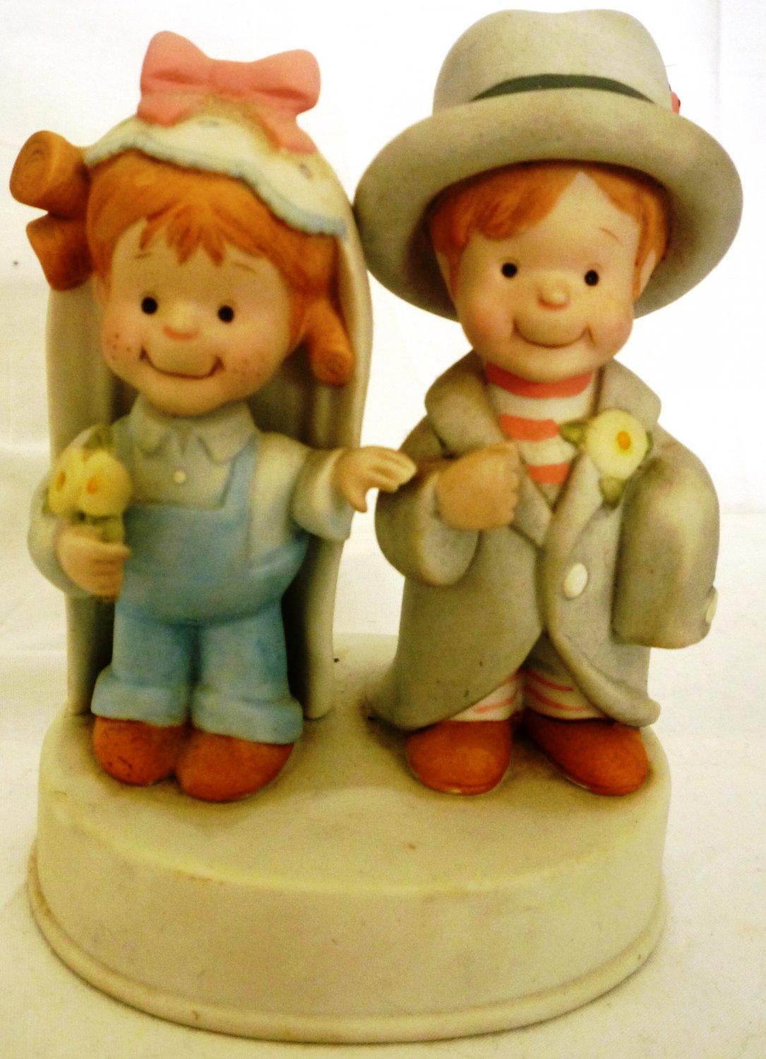 CHARMING PORCELAIN SARA BLUEJEANS HERE COMES THE BRIDE MUSIC BOX 1982 GEORGE