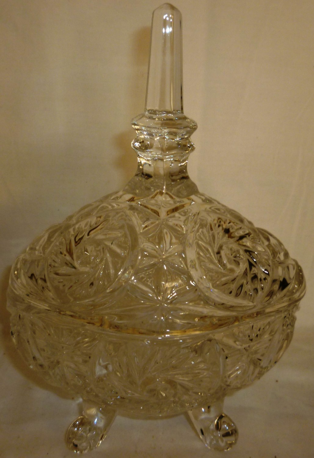 VINTAGE LEAD CRYSTAL FOOTED BON BON COVERED FOOTED DISH