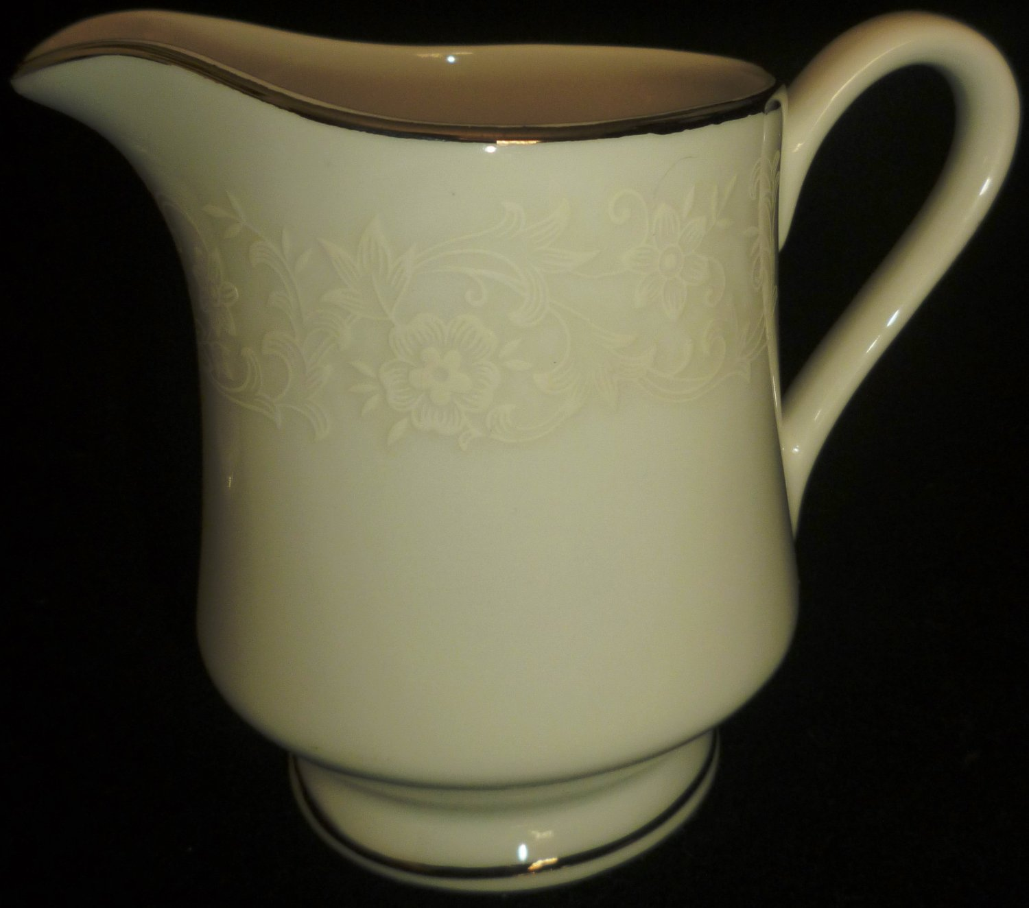 VINTAGE FINE CHINA OF JAPAN AMBIANCE COLLECTION WHITE BOUQUET PLATINUM CREAMER