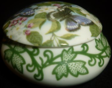 VINTAGE CROWNFORD GIFTWARE FINE BONE CHINA MINIATURE TRINKET RING BOX ENGLAND