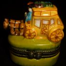 CHARMING MINIATURE PORCELAIN TRINKET BOX VICTORIAN TRAVEL CARRIAGE W/HORSES