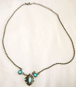 BEAUTIFUL SILVERPLATED & BLUE STONES NECKLACE WITH PENDANT