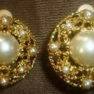 GORGEOUS VINTAGE GOLD FILLED FAUX PEARL BIG CLIP EARRINGS