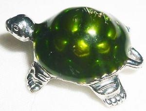 CHARMING GREEN TURTLE PENDANT