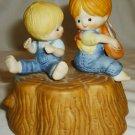 CHARMING ENESCO 1980 PORCALIN MUSIC BOX BOY & GIRL BROTHER & SISTER PLAYMATES
