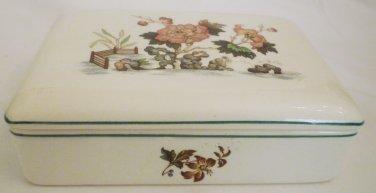 VINTAGE WEDGWOOD OF ETRURIA & BARLASTON UK EASTERN FLOWERS PORCELAIN TRINKET BOX