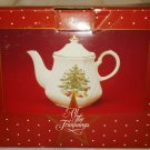 BEAUTIFUL FINE PORCELAIN ENGLISH TEA POT CHRISTMAS TREE JAPAN ALL THE TRIMMINGS