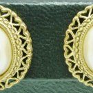 BEAUTIFUL VINTAGE INTRICATE GOLD FILLED OVAL FAUX PEARL STUD EARRINGS