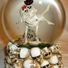 SKELETONS PAIR RIP WATER GLOBE MUSIC BOX HALLOWEEN HUMOROUS PLAYS BACH