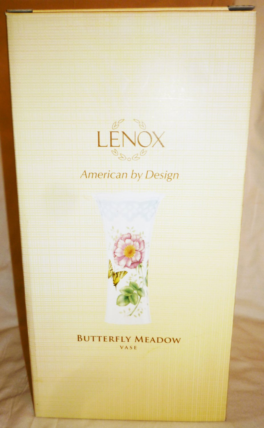 GORGEOUS LENOX BUTTERFLY MEADOW PORCELAIN VASE NMB