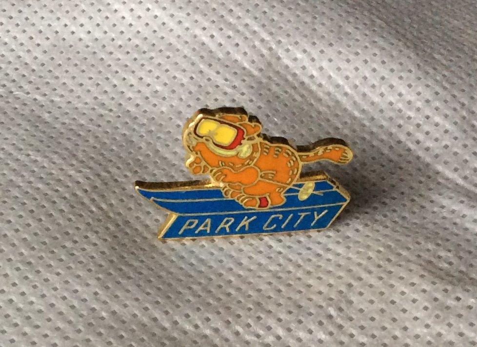 Garfield Hat Lapel Pin Vintage 70s 80s Travel Skiing Ski Park City Utah