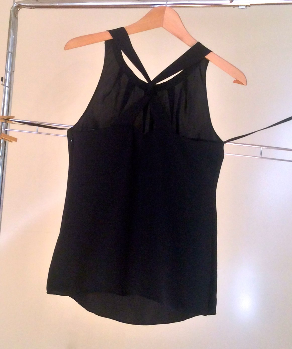 NEW Banana Republic Sleeveless Top Black Silk Twist Back Tank Sophisticated Cocktail Club Outfit