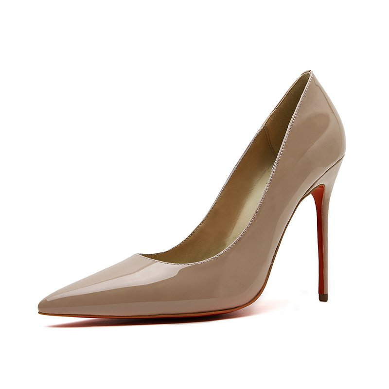 Cloverl Classic Jane Pump in Patent leather in Nude