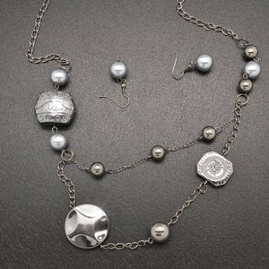 Silver necklace and earring set!!!
